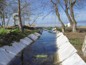 canal d'évacuation des eaux usées en marbre